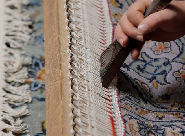 ریشه بافی فرش های دستباف