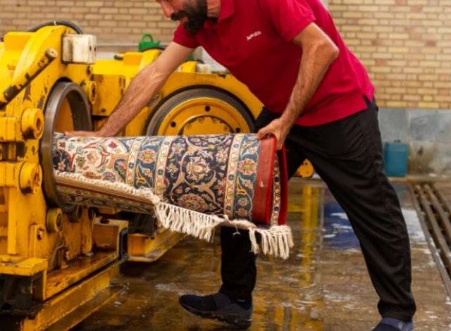 آبگیری فرش در قالیشویی