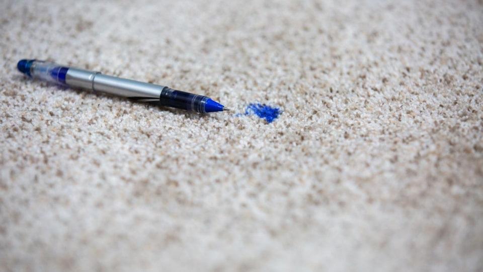 پاک کردن لکه جوهر روی فرش